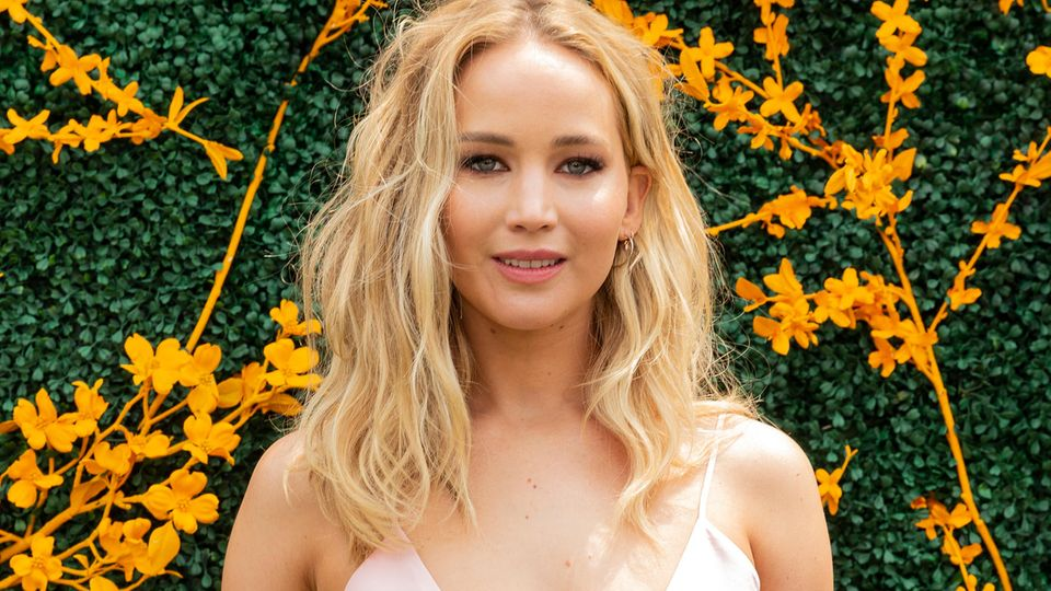 Jennifer Lawrence, other celebs pictures leaked: FBI