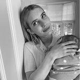 Sprösslinge: Emma Roberts hält ihren Sohn im Arm