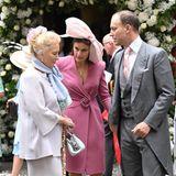 In der Runde der royalen Hochzeitsgäste dürfen Prinzessin Michael of Kent, ihr Sohn Lord Frederick Windsor und seineFrau Sophie natürlich nicht fehlen. Die Farbwahl bei ihren Looks ist ebenfalls fröhlich aber pastellig-dezent.