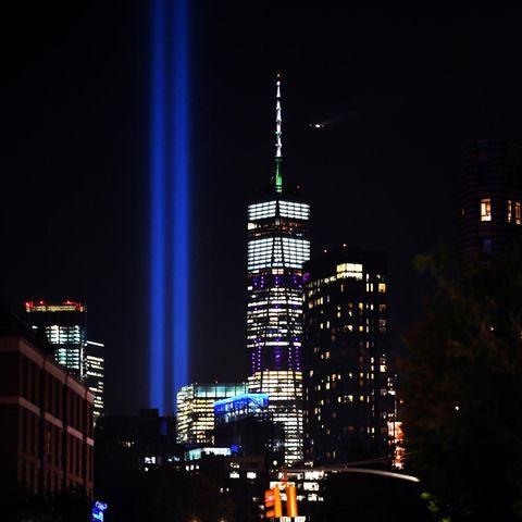 New York erinnert mit zwei blauen Lichtsäulen an die Terroranschläge vom 11. September 2001