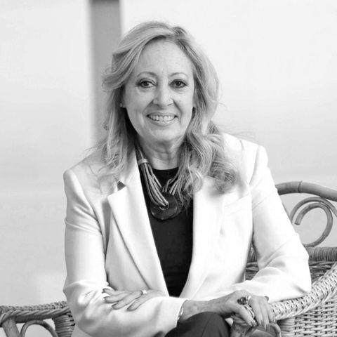 """11. September 2021: Maria Mendiola (69 Jahre)  Als Sängerin des Duos Baccara wurde Maria Mendiola Ende der 70er Jahre weltberühmt, und vor allem derDisco-Klassiker """"Yes Sir, I Can Boogie"""" wird bis heute gern gespielt. Die Todesumstände der Spanierin sind bisher nicht bekannt."""