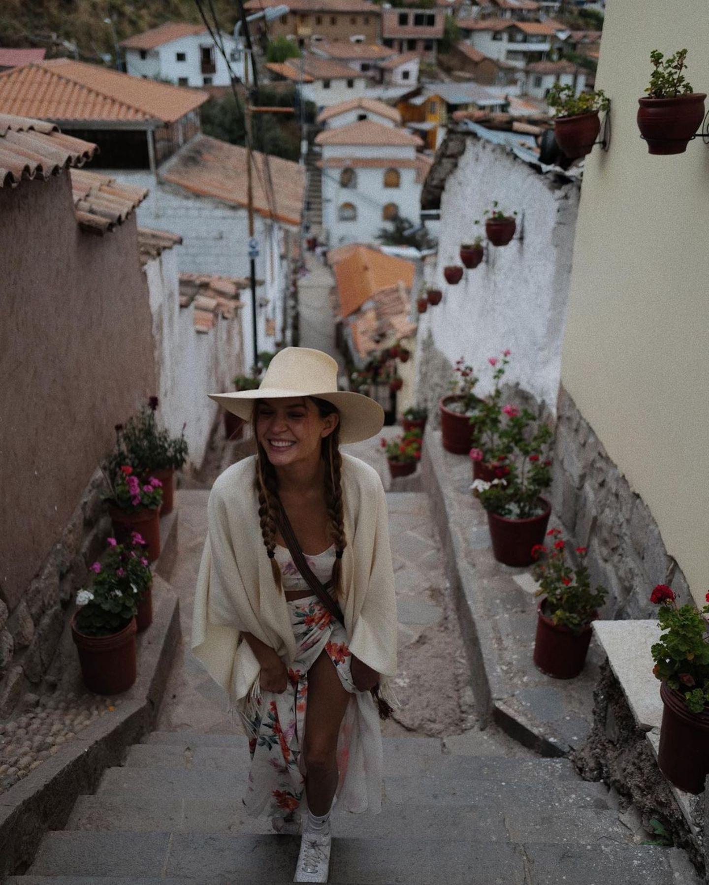 Urlaubsgrüße: Josephine Skriver in Peru