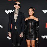 Travis Barker und Kourtney Kardashian auf dem Red Carpet.