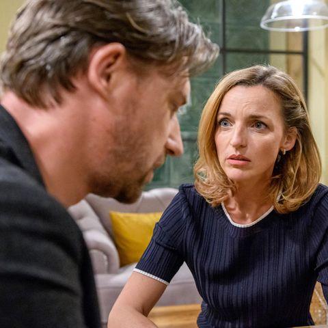 """Lias (Deborah Müller) Ex-Affaire-Patrick (Peter Schorn) bringt mit seinem Auftauchen einiges durcheinander am """"Fürstenhof""""."""