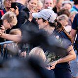 Royal Run 2021: Prinzessin Mary begrüßt nach ihrem Lauf die Zuschauer