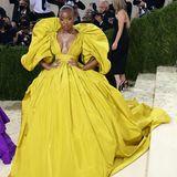 """Sängerin Normani landet mit ihrem voluminösen Kleid von Valentino definitiv auf der """"Best Dressed""""-Liste."""