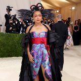 Gastgeberin Naomi Osaka mag es mit ihrem Outfit von Louis Vuitton experimentierfreudig.