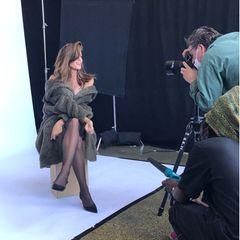 Setbilder: Cindy Crawford beim Modeln