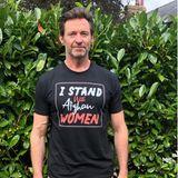 Mottoshirts: Hugh Jackman setzt sich für afghanische Frauen ein