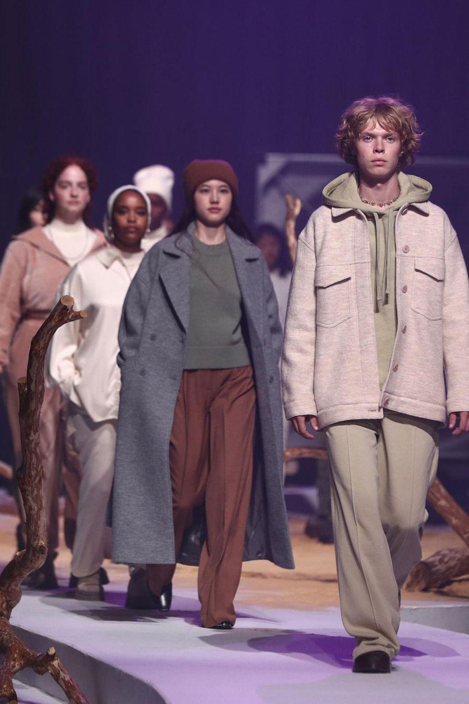 Models präsentieren die Kollektion von Lena Meyer-Landrut