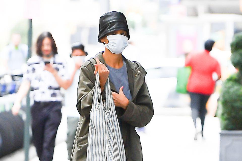 Gesichtet: Katie Holmes schlendert Undercover durch New York City