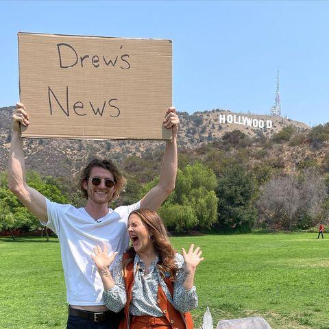 Gezwitscher: Drew Barrymore freut sich über diese Promo