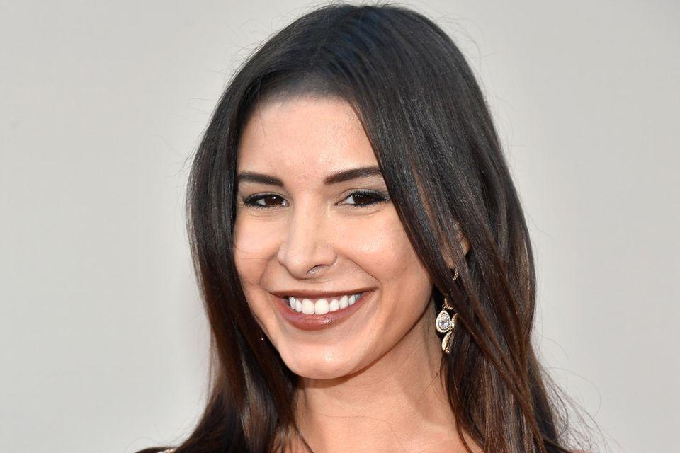 Mayra Verónica datete Sam Asghari zwischen 2015 und 2016