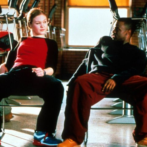 Sara (Julia Stiles) erhält von Derek (Sean Patrick Thomas) Nachhilfe in Sachen Hip Hop