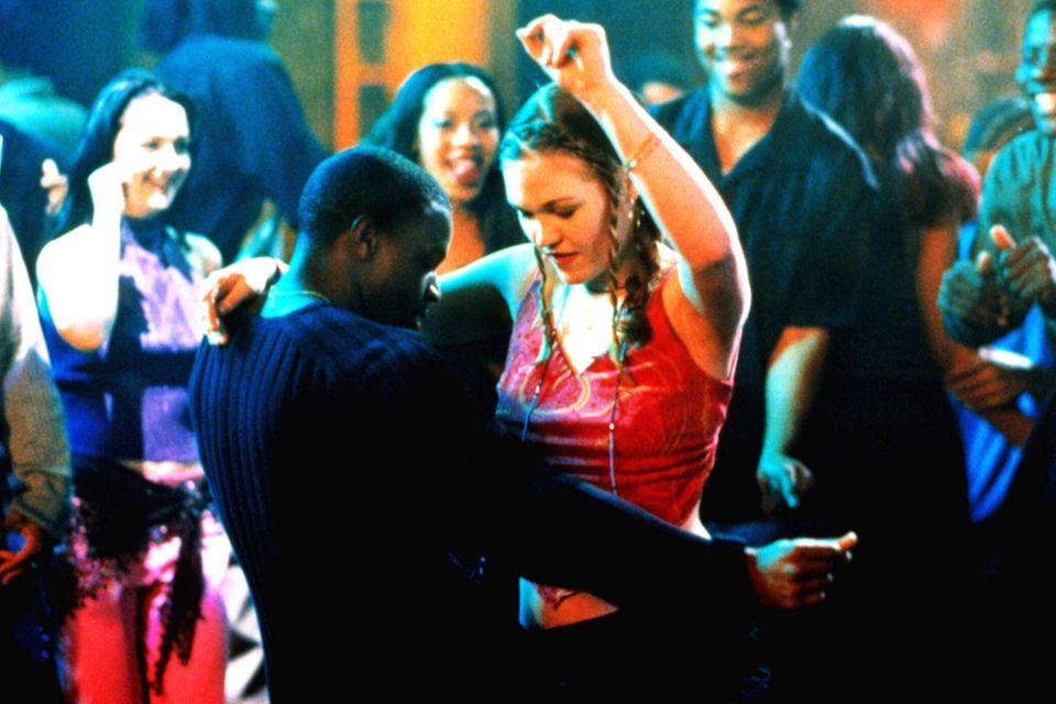 Derek (Sean Patrick Thomas) und Sara (Julia Stiles) zeigen im Club, was sie drauf haben