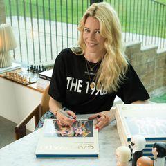 Stars mit Buch: Claudia Schiffer schreibt