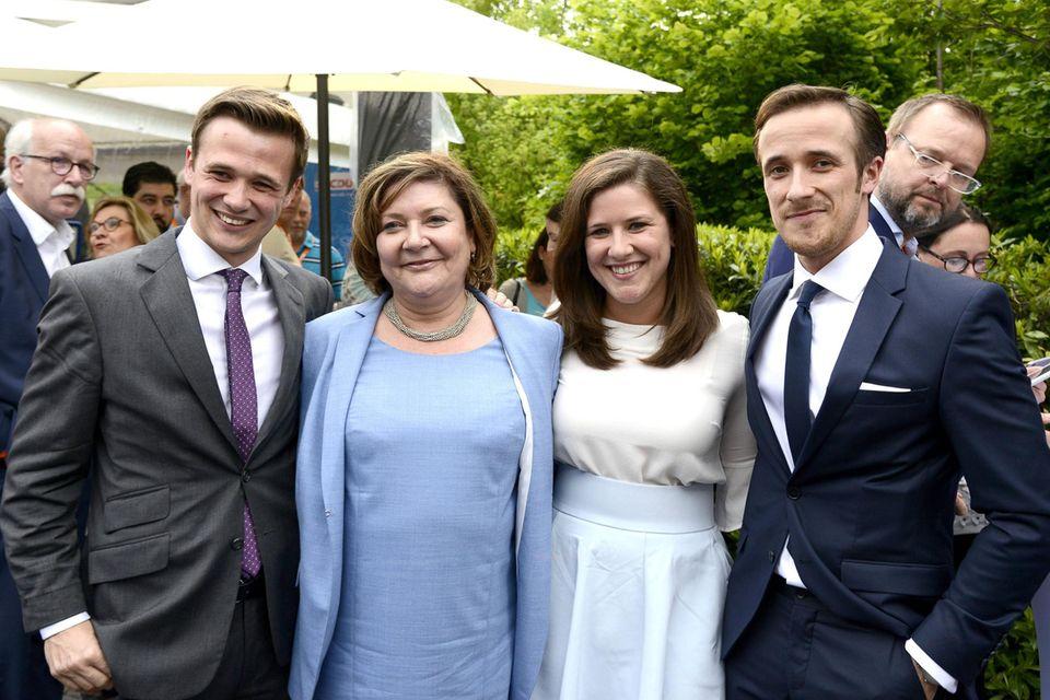 Julius Laschet, Susanne Laschet, Eva Laschet und Johannes Laschet: Familie Laschet auf einer Wahlparty