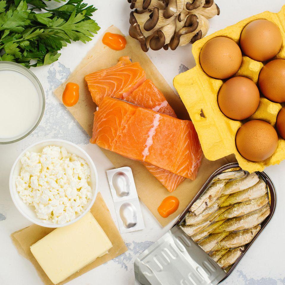 Lebensmittel mit viel Vitamin D: Fisch, Eier, Käse, Champignons