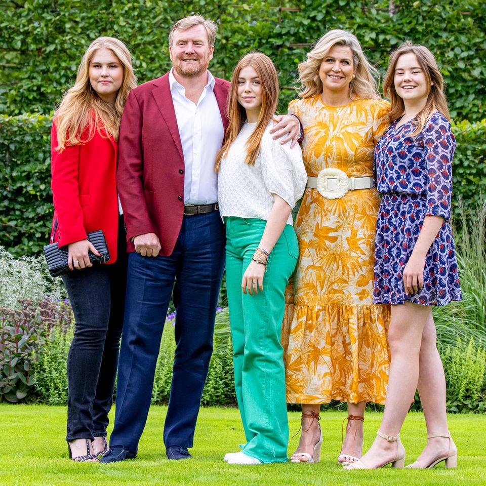 Prinzessin Amalia, König Willem-Alexander, Prinzessin Alexia, Königin Máxima und PrinzessinAriane (v.l.n.r.)