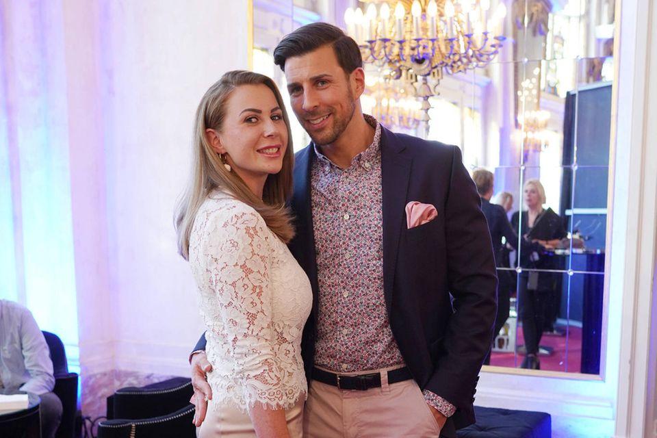 Leonard Freier mit Ehefrau Caona Maron