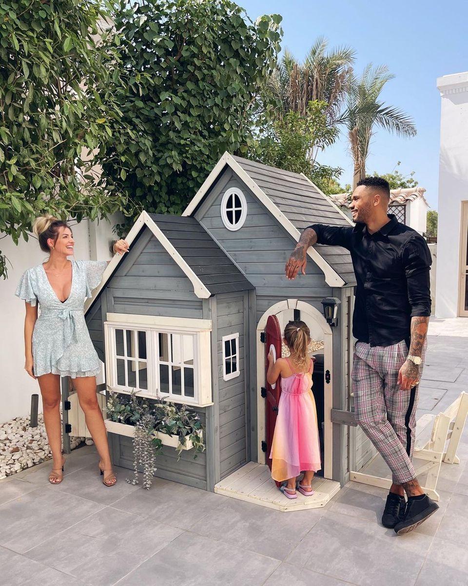 Familie Harrison: Sarah und Dominic freuen sich über Eigenheim in Dubai