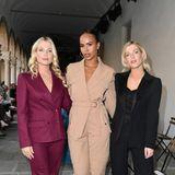 Lady Amelia Spencer, Sabrina Dhowre Elba und Lady Eliza Spencer (v.l.), alle drei in stylischen Anzug-Looks sind in Mailand, um sich die neuestenPrêt-à-porter-Looks von Alberta Ferrretti anzusehen.