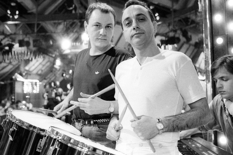"""Franz Trojan von der """"Spider Murphy Gang"""" (l.) mit Peter Behrens (r.) von """"Trio"""" im Jahr 1984."""