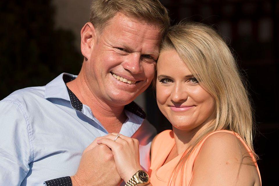 """Oliwia und Farmer Jörn aus Namibia haben sich 2018 bei """"Bauer sucht Frau""""gefunden. 2021 haben die beiden ihr erstes gemeinsamen Kind bekommen."""