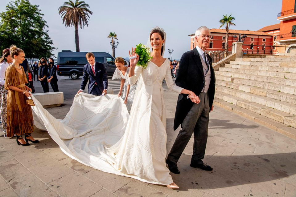 Prinzessin Marie-Astrid von Liechtenstein wurde von ihrem Vater zum Traualtar geführt
