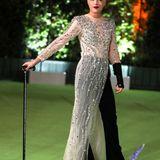 Oben Glamour, unten Coolness:Selma Blair trägt ihren Glitzer-Look von Rokh mit schwarzer Hose.