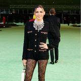 Klassisch und sexy präsentiert sich Jenna Dewan zur Museumseröffnung im knappen Chanel-Outfit.