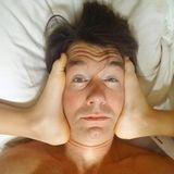Daddy-Cool: Jerry O`Connell mit Füßen im Gesicht