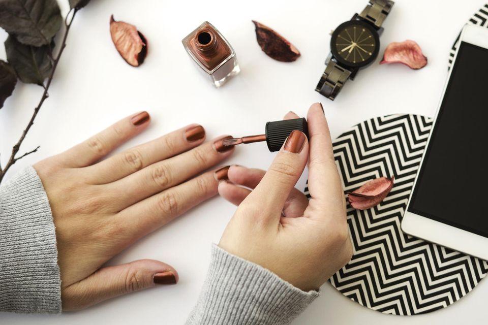 Nagellack-Trends 2021: Diese Farben sind im Herbst unverzichtbar