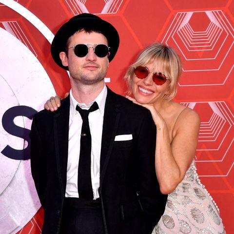 Die Red-Carpet-Looks der Tony Awards 2021 mit Sienna Miller und Co.