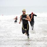 Sportliche Stars: Max Greenfield beim Malibu Triathlon