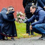 Royaler Terminkalender: Prinz Haakon mit einem schüchternen Mädchen