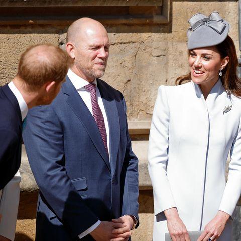 Prinz Harry, Mike Tindall, Herzogin Catherine und Prinz William stehen zusammen
