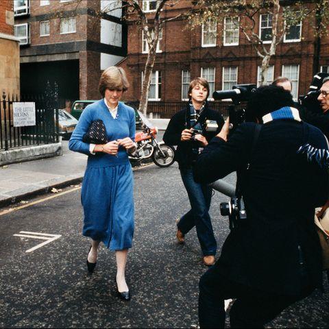 Prinzessin Diana 1980 beim Verlassen ihrer Wohnung im Londoner Stadtteil Chelsea