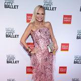 Mit Pailletten und Federn in Rosa und Pink glitzert Kristin Chenoweth bei der NYC Ballet Gala.