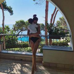 Johanna Klum und Sohn im Urlaub