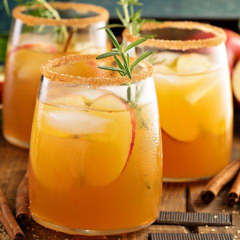 Apfel-Cocktail für den Herbst