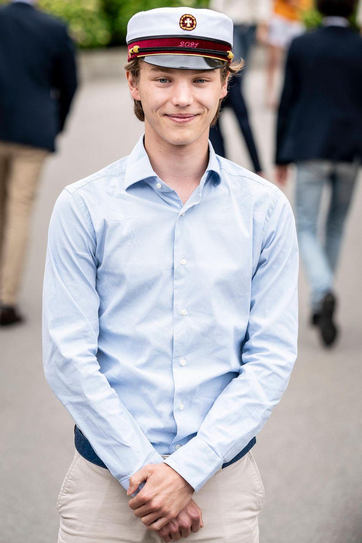 Nach dem bestandenen Abitur im Frühjahr 2021 und nach einem wohlverdienten Sommerurlaub in Frankreich zog es Prinz Felixstandesgemäß zum Militär. Doch nach nur vier Wochen im Dienst schmiss der Neffe von Prinz Frederik die Ausbildung hin.