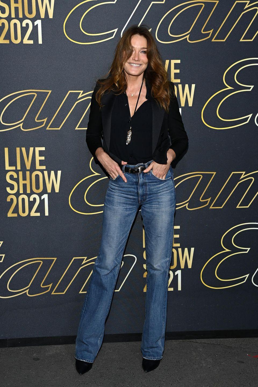 Carla Bruni besucht die Modenschau von Etam