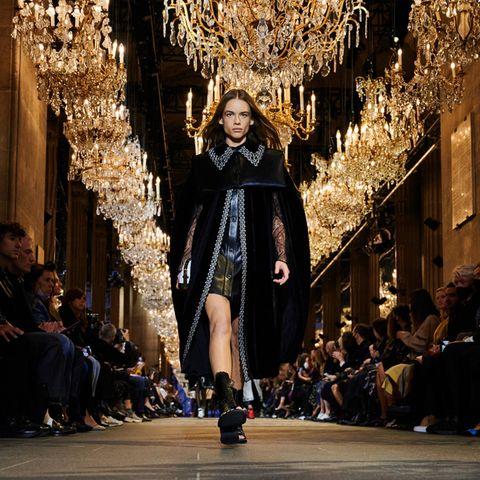 Modenschau von Louis Vuitton während er Pariser Fashion Week