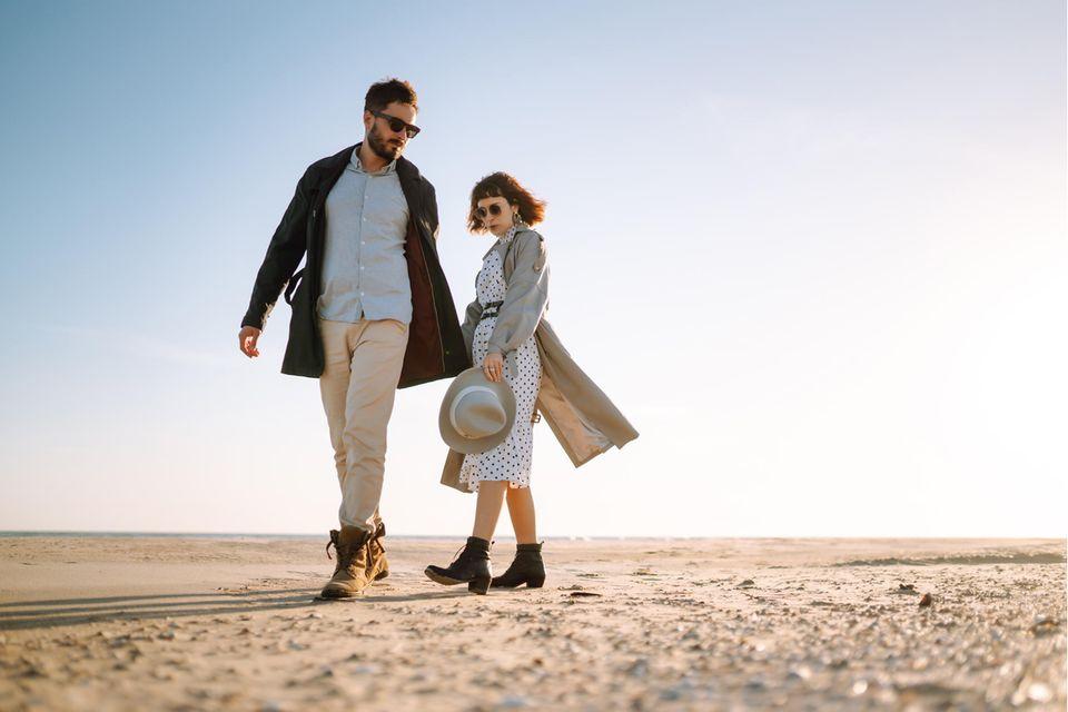 Partnerschaft: Ein Paar am Strand