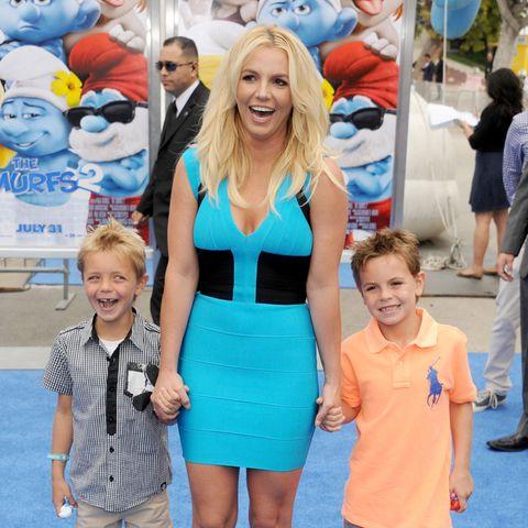 Britney Spears im Juli 2013 mit ihren Söhnen Jayden und Preston