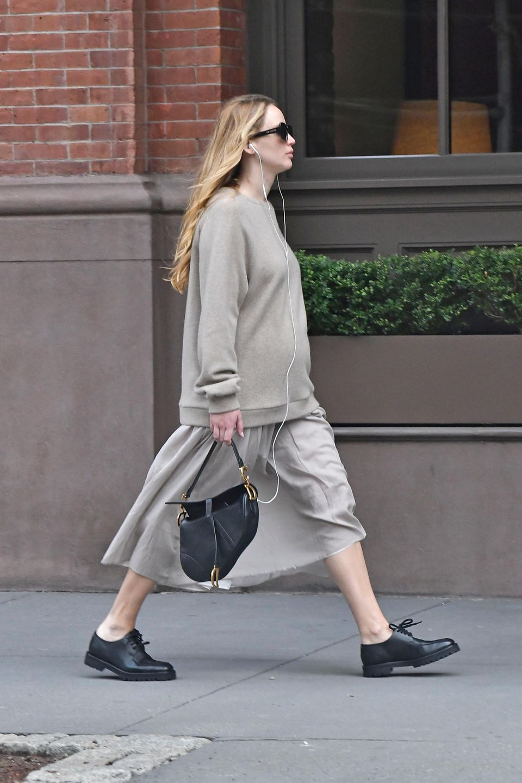 Jennifer Lawrence liebt es gemütlich während ihrer Schwangerschaft.