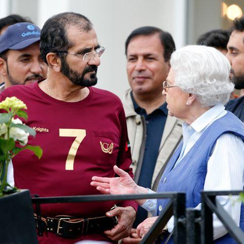 Scheich Mohammed bin Rashid Al Maktoum und Queen Elizabeth trafen sich regelmäßig bei Pferdesportevents wie hier bei derRoyal Windsor Horse Show im Mai 2014.