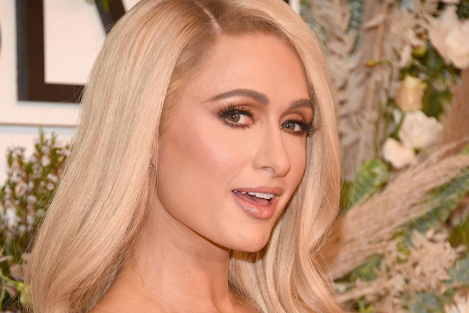 Paris Hilton: Im pinkfarbenen Luxus-Look feiert sie ihren JGA