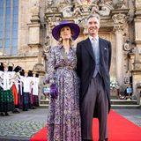 Prinzessin Sibilla undPrinz Guillaume von Luxemburg freuen sich, der kirchlichen Trauung in der wunderschönen Stadtkirche beiwohnen zu können. Und noch ein schönes Detail der Feierlichkeiten: Die Bückeburger stehen in ihrer beeindruckenden Tracht Spalier vor dem Gotteshaus.